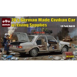 70's GERMAN CIVILIAN CAR W LIVING SUPPLIES